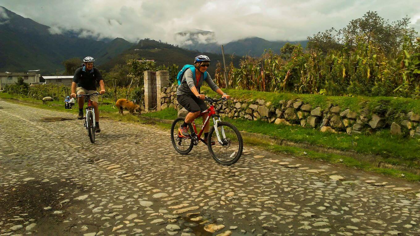 Adventure biking Zuleta and Otavalo Ecuador