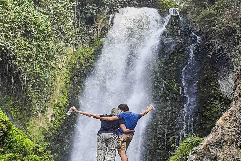 tour communities ecuador cascada de peguche
